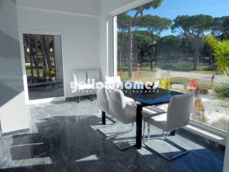 Impressive Villa on a large plot in Vilamoura for sale