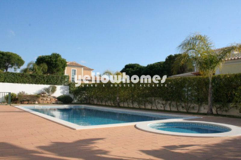 A villa in a good neighborhood close to Quinta do Lago