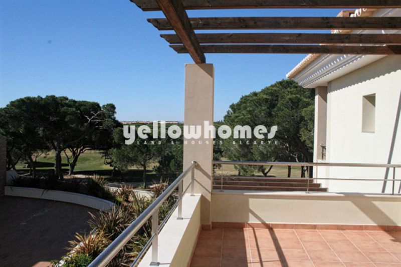 Low maintenance luxurious Villa overlooking the golf course
