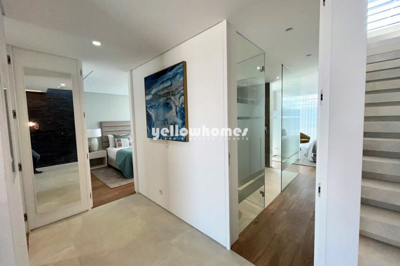 New, high end 3-bed properties with pool in the Golden Triangle
