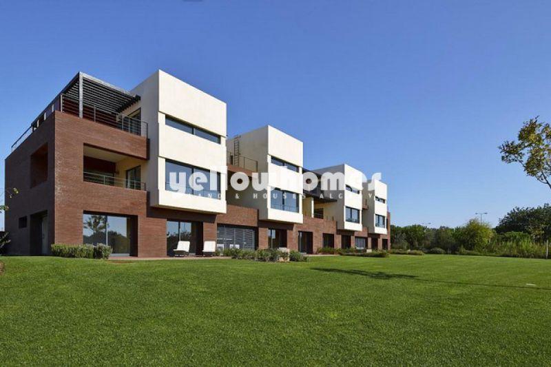 Apartamento T1 em estilo contemporâneo perto do campo de golfe
