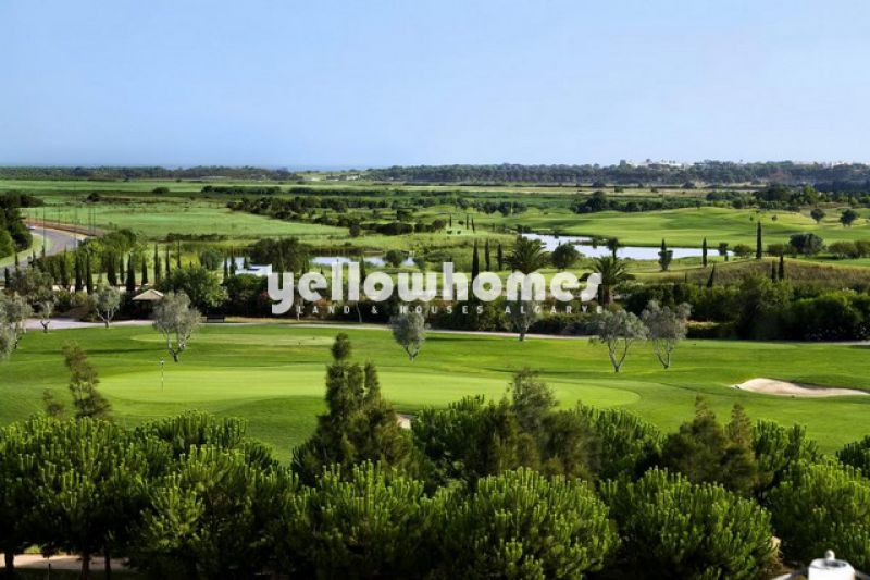 Contemporary 3-bedroom duplex apartment near the Golf in Vilamoura