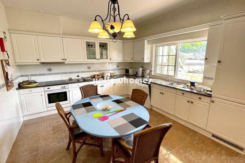 Well maintained and bright 4 bedroom villa with sea views near Santa Barbara