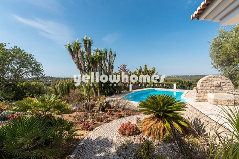 Unique 3 bedroom villa in idyllic location with panoramic sea views
