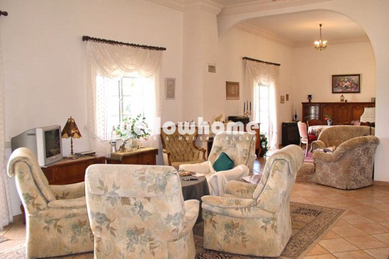 Well-presented bungalow style villa near Loule in a quite countryside