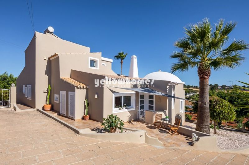 Fantastic 4 bedroom villa with pool and views near Albufeira