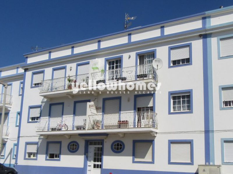 2-bed top floor apartment in the traditional village of Santa Luzia