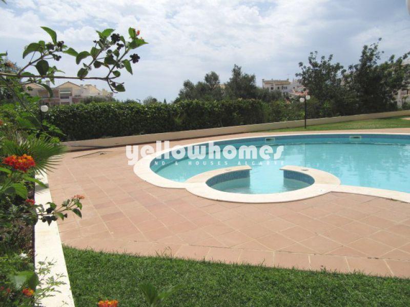 Lindo apartamento T1 com piscina e garagem em Tavira