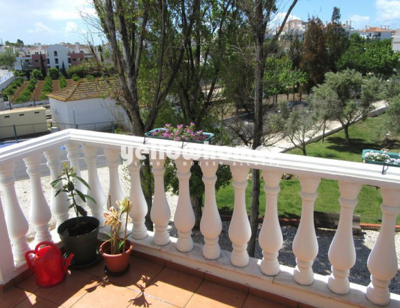 1-bed top floor apartment with lovely open views in Cabanas de Tavira