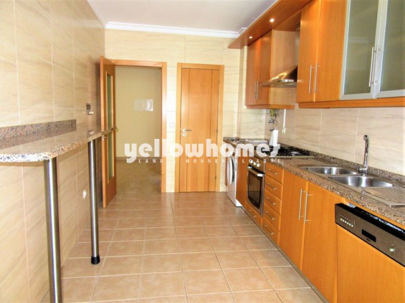 Spacious 2-bed apartment within walking distance to Tavira town center