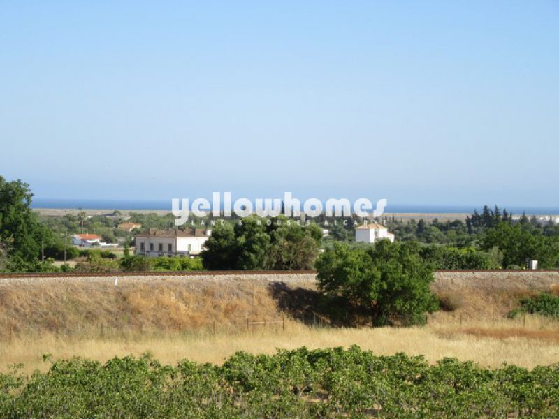 Nice 2-bed apartment with private roof terrace with sea views in Tavira