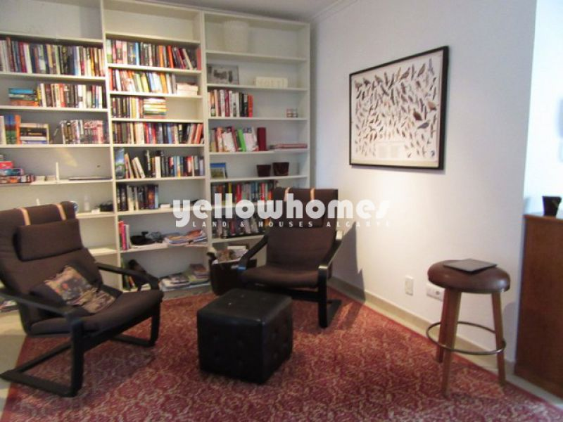 Spacious duplex apartment with communal pool in the centre of Tavira