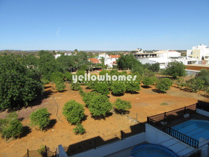 Well maintained 3-bed apartment with garage in Tavira
