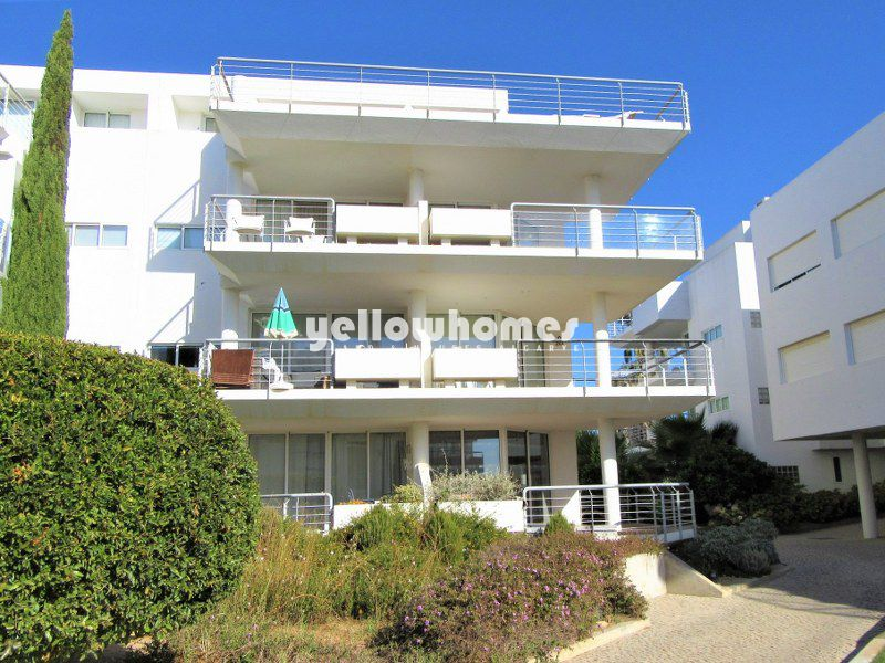 2-bed apartment with sea views in a well know resort in Cabanas
