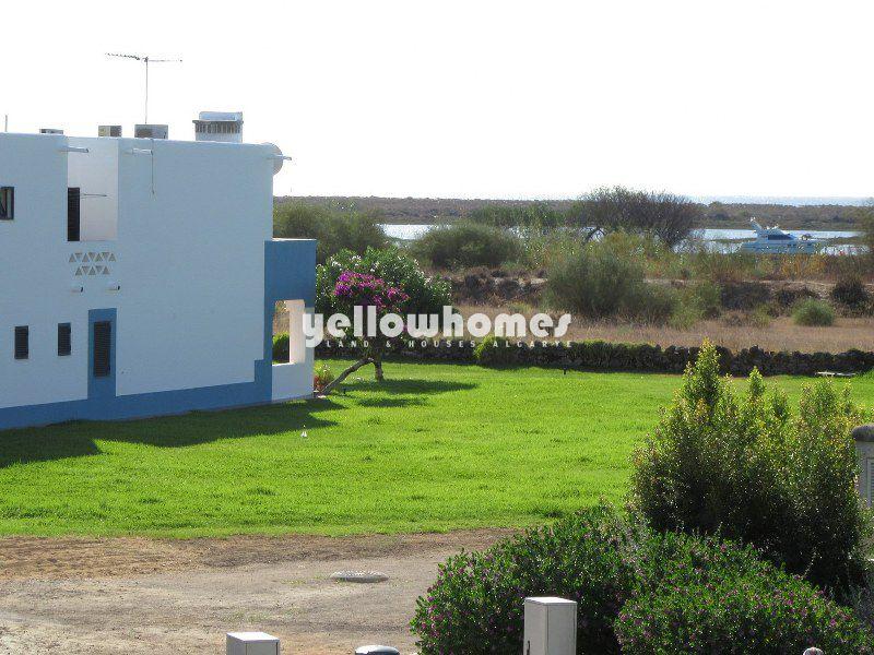 Apartamento T2 com vista para o mar num fantástico condomínio em Cabanas
