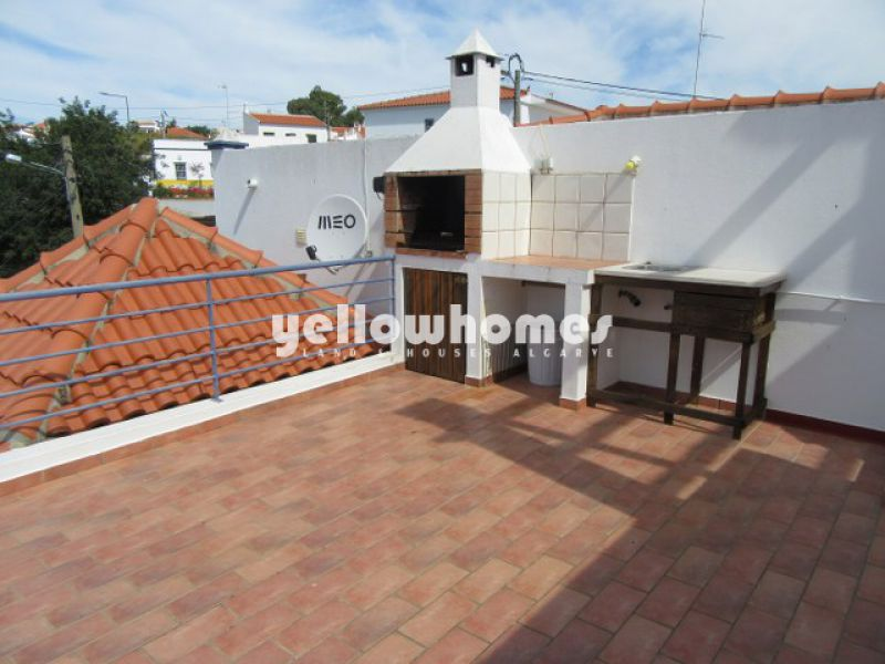 2-bed duplex apartment with loft and garage near Castro Marim