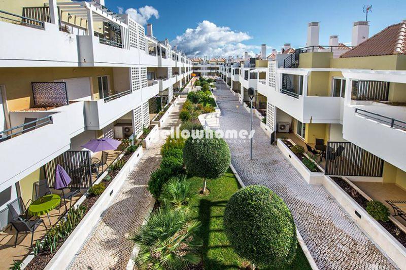 Penthouse T2 completamente mobilado nas Cabanas