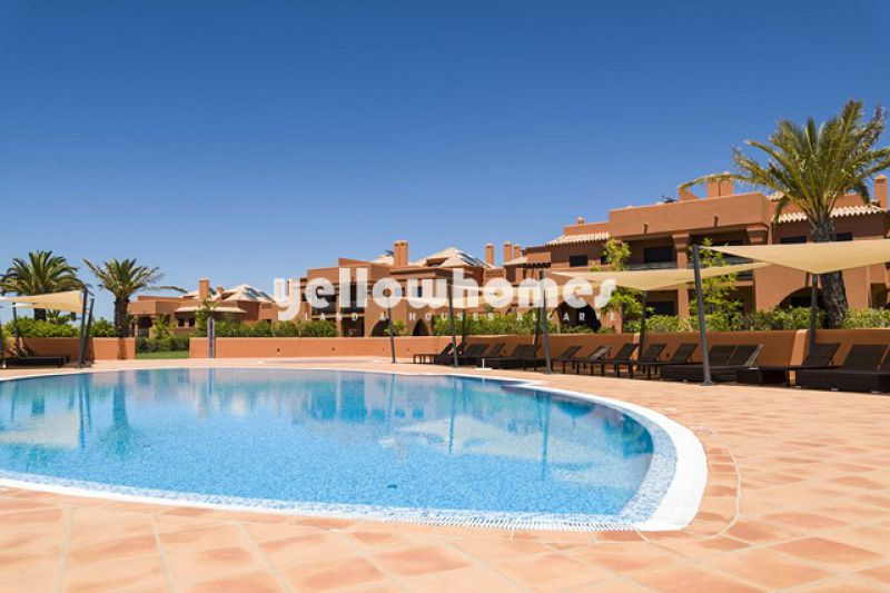 High quality 2-bed apartments on a unique resort near Alcantarilha