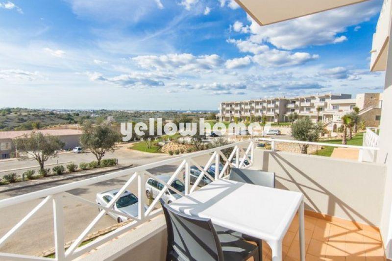 Apartamento duplex T1 num condomínio de golfe bem conhecido perto do Carvoeiro
