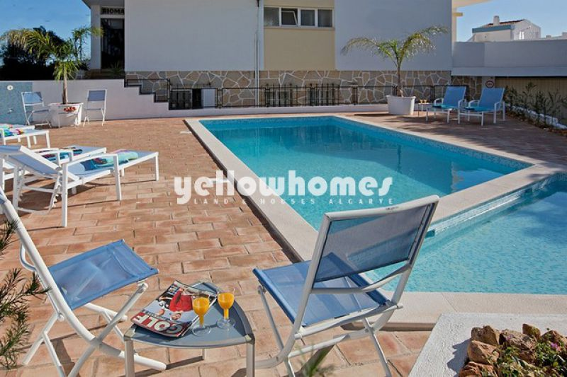 1 bed apartment with great sea views just 100m from Portimão beach