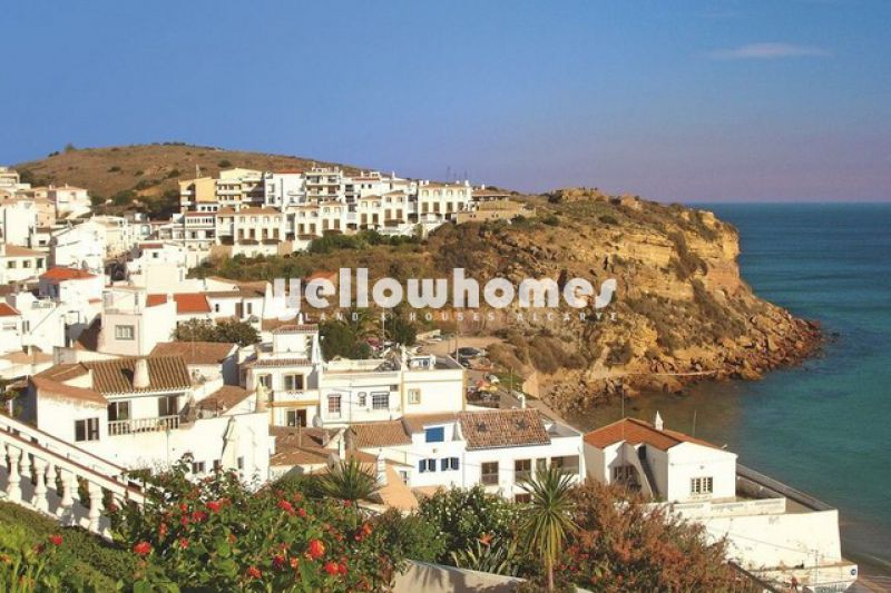 Modern 2 bed apartment with private swimming pool only 200 mtr from the sea