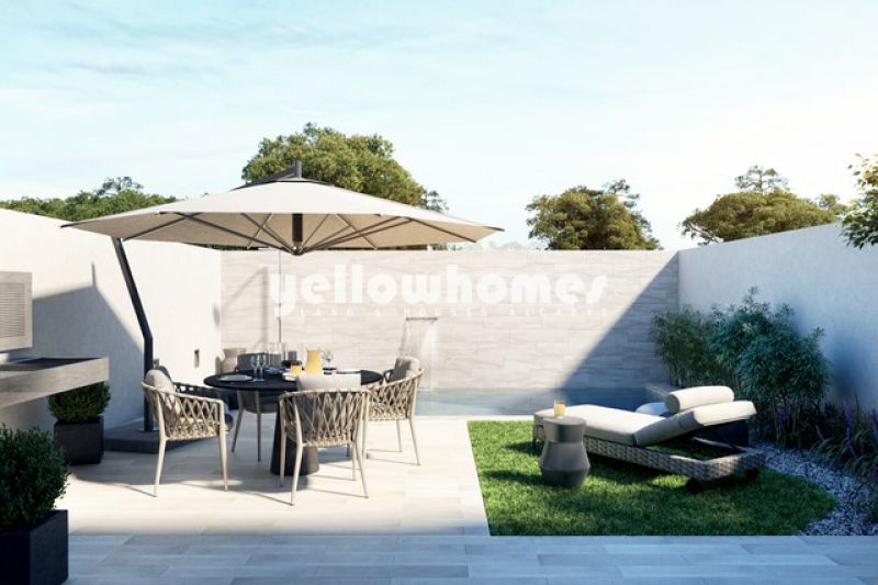 High quality 3-bed townhouses with pool in Santa Luzia