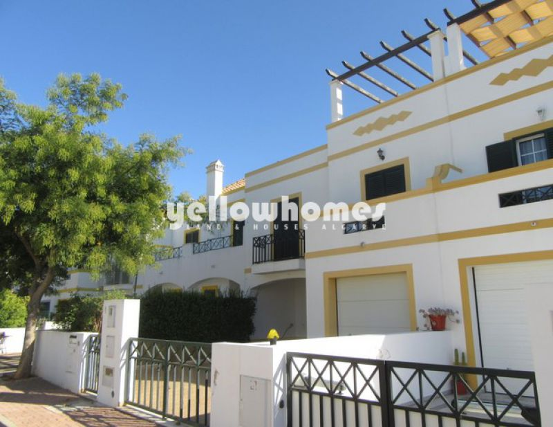 2-bed townhouse in a popular residential area near Tavira