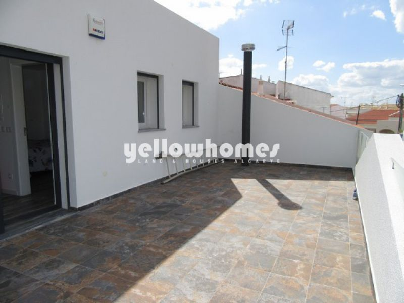 Newly built 3-bed towhnouse within walking distance to Benamor Golf Club