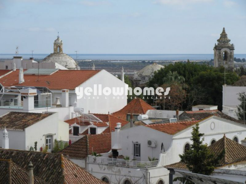 Fully refurbished 2-bed townhouse in the centre of Tavira
