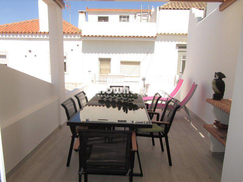 Bonita casa de cidade completamente renovada no coração de Tavira