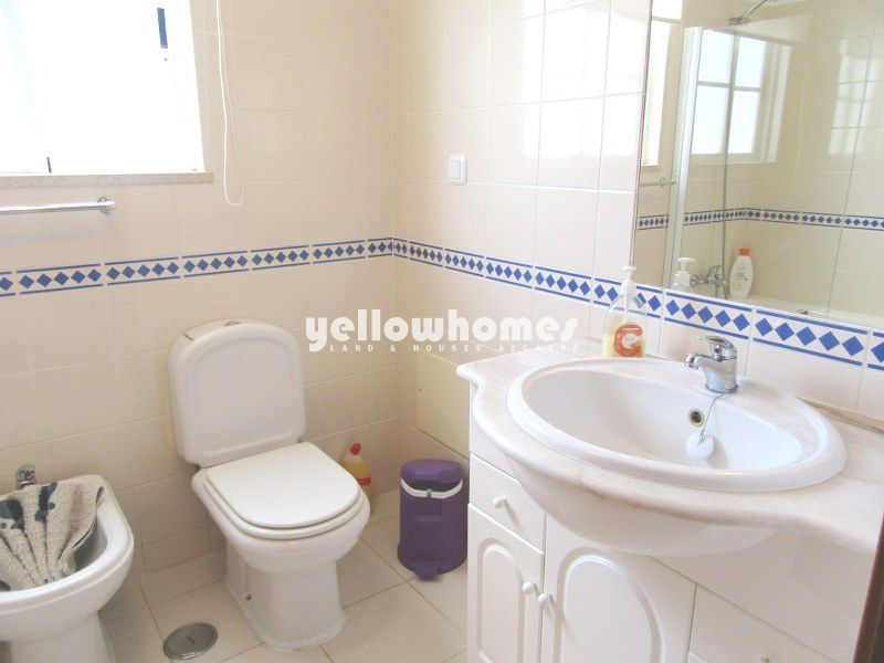 Well presented 2-bed townhouse with communal pool in Tavira