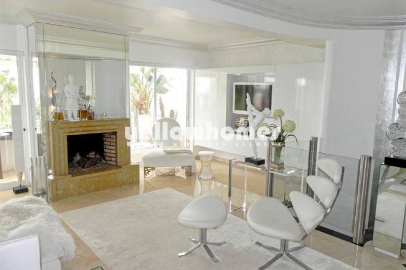 Luxury elegant 2 bed linked villa with golf and sea views