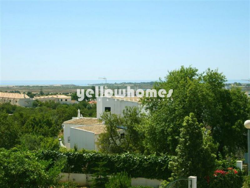 Friendly 4 bedroom villa with garden and gorgeous wide views