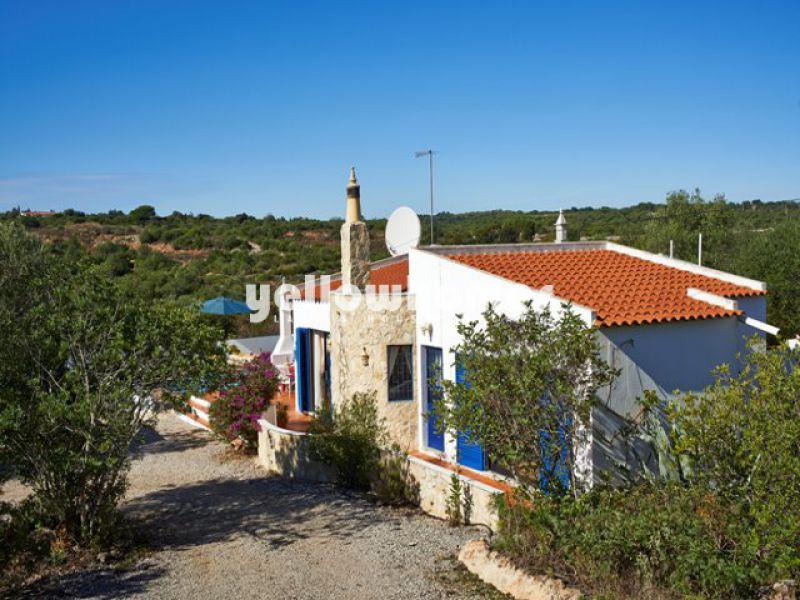 Charmosa moradia V2 a 5 km do centro da cidade costeira de Tavira