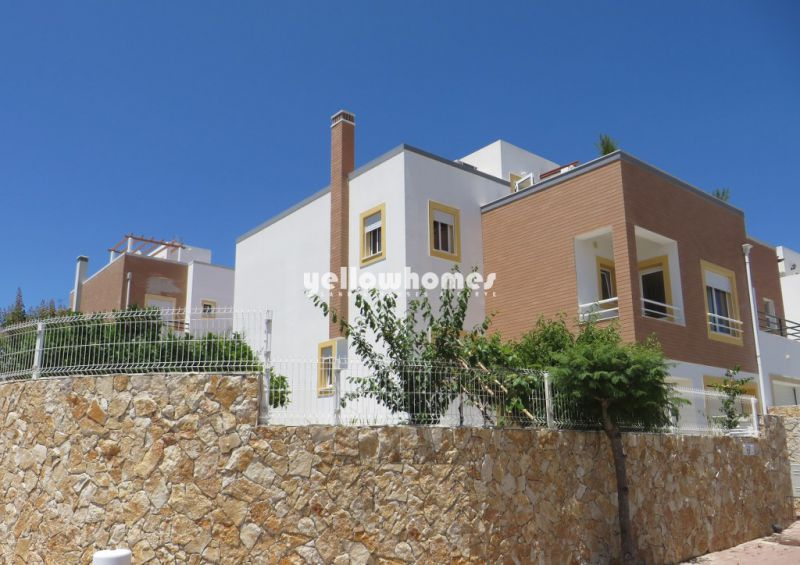 Charming 4-bed semi-detached villa in easy walking distance to Tavira