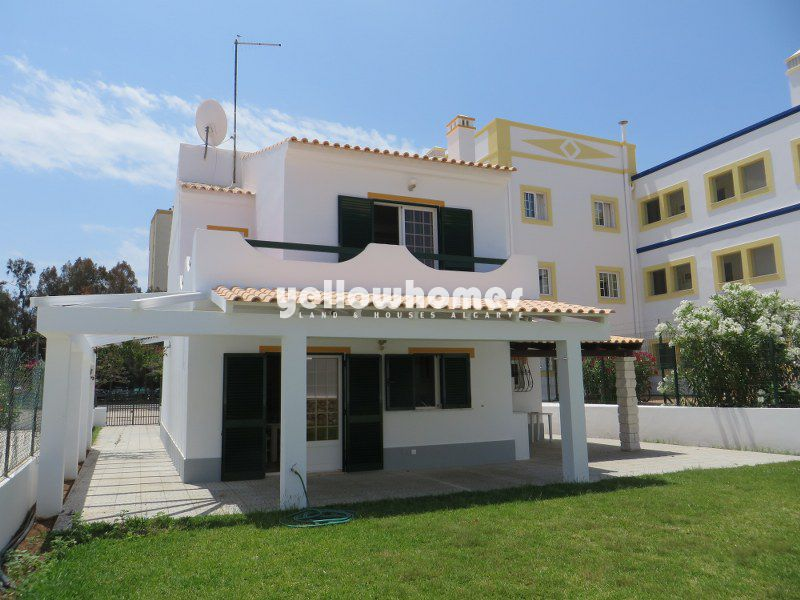 Bright Villa close to the beach and all amenities of Altura