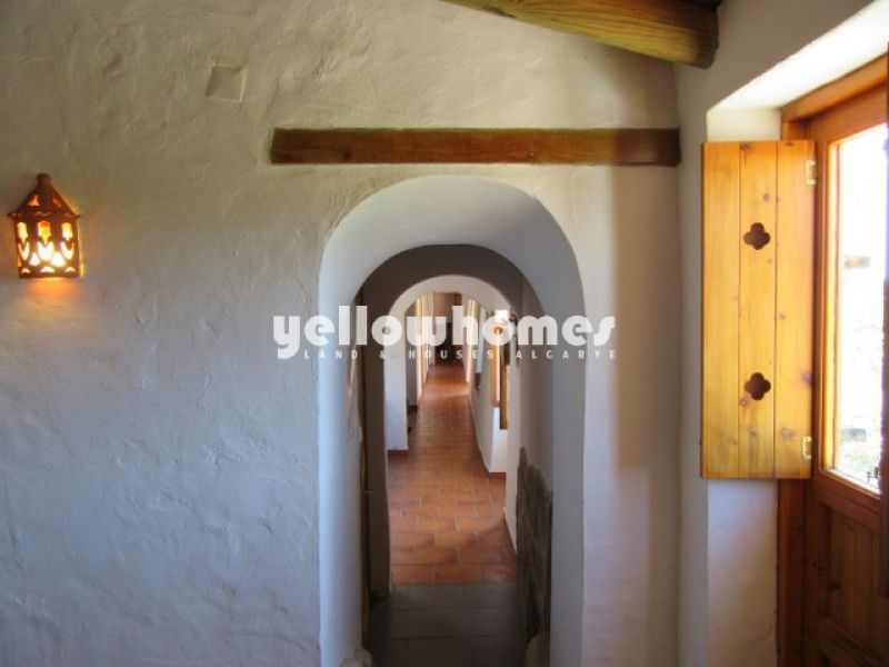 Fully restored Portuguese farmhouse enjoying beautiful views