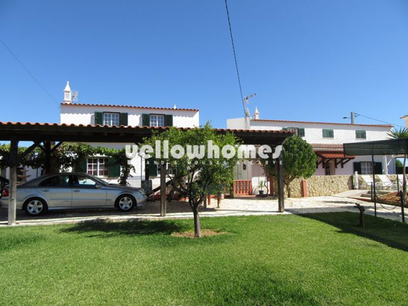 Two villas on a nice landcaped plot only 2 km from the beach of Altura