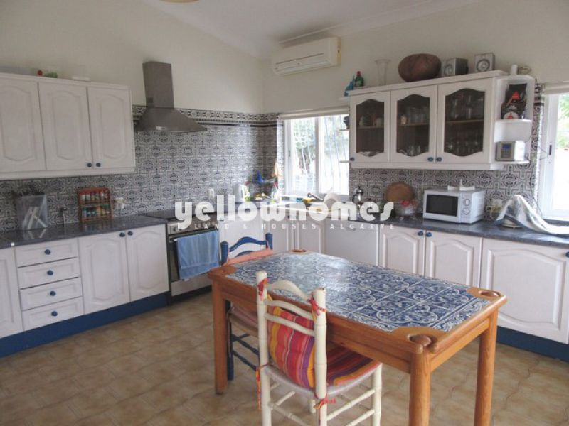 Well presented 3-bed villa in the countryside near Tavira