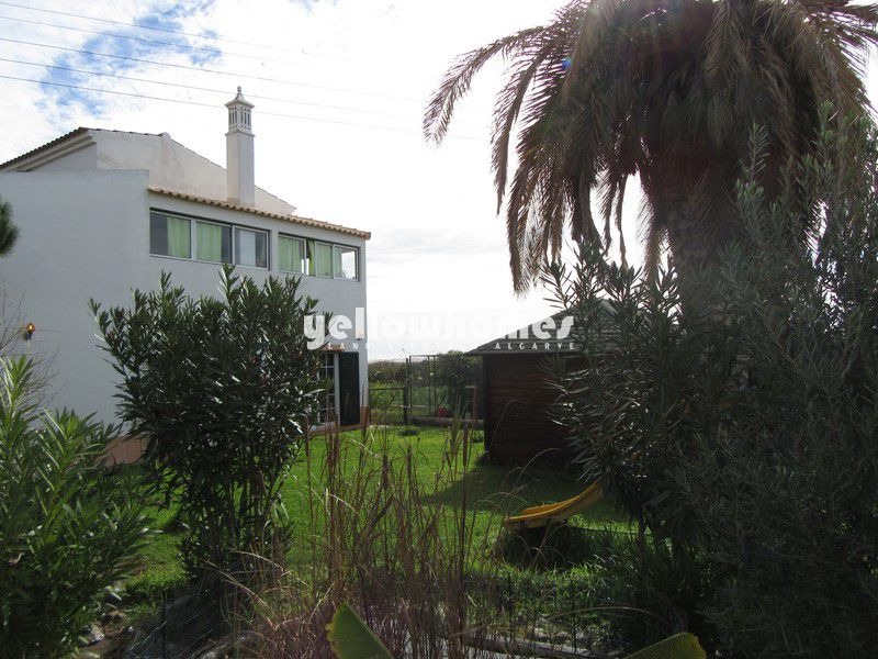 4-bed villa near the National Reserve Park of the Ria Formosa