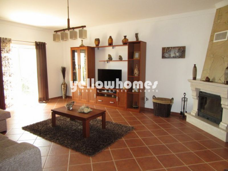 Well-kept 3-bed villa in a peaceful countryside setting near Castro Marim