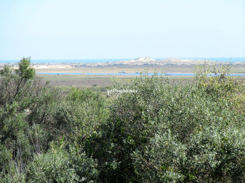 4-bed villa with  unspoiled views to the Ria Formosa lagoon
