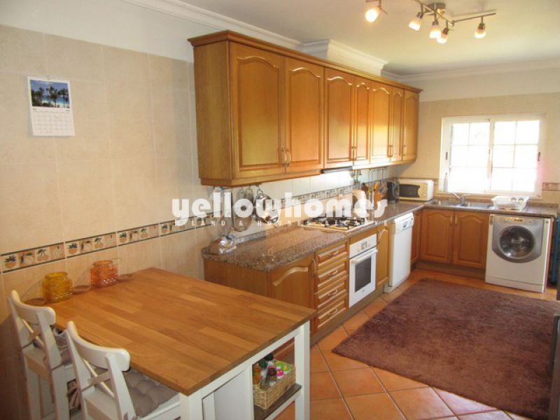 Well presented 3-bed semi detached villa only five minutes drive from Tavira