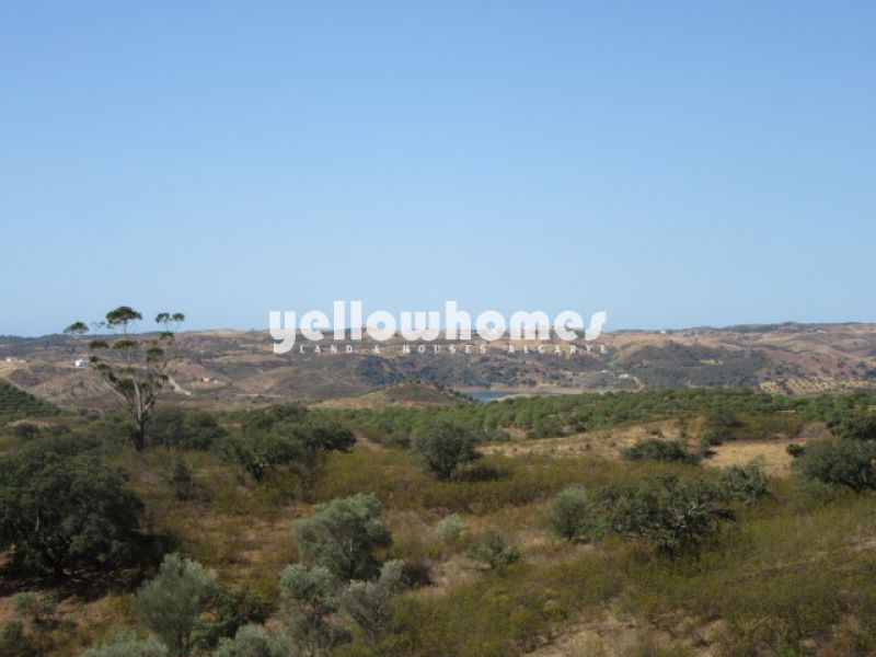 High quality villa set on a large plot with beautiful sea-/ country views