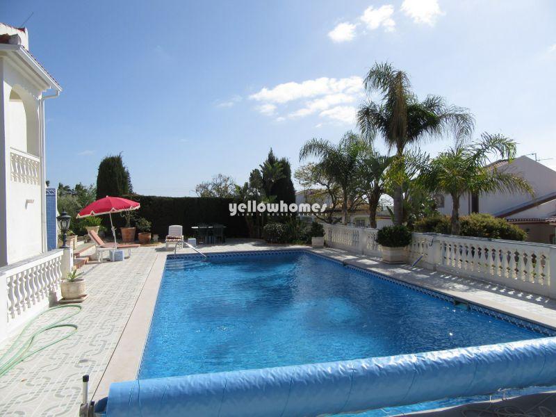 Moradia V3 com piscina aquecida numa urbanização agradável, perto da praia