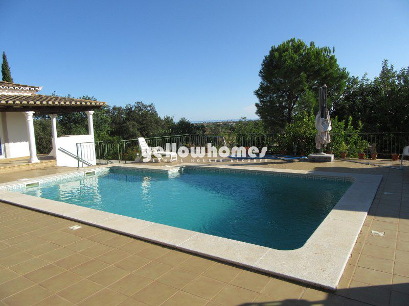 3-bed villa on a large plot with sea views near Santo Estevao