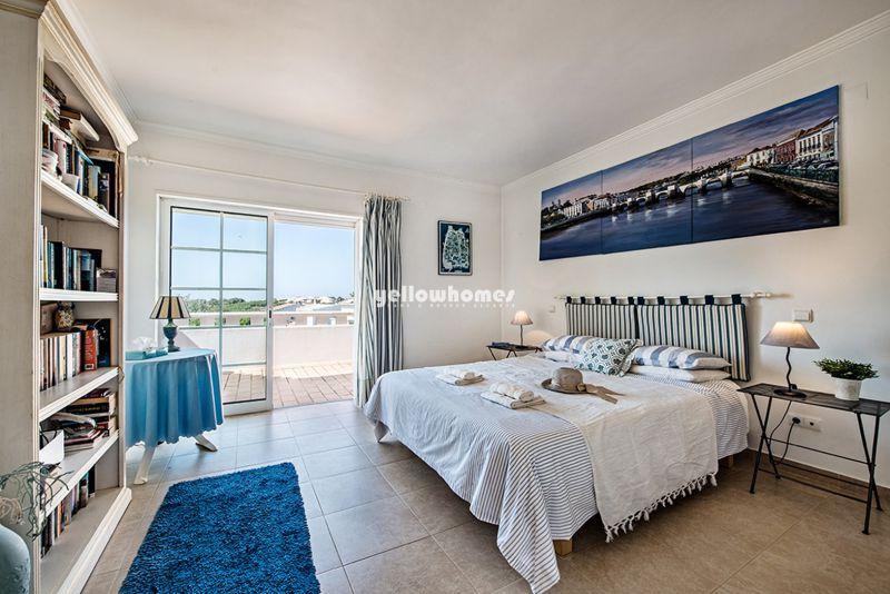 Espetacular moradia V3 perto de Altura e da praia da Praia Verde