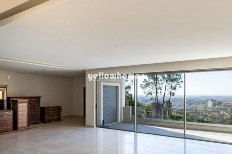 Large luxurious 3 bed villa in great mountain surroundings