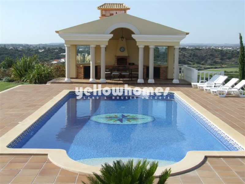 Magnificent luxurious 4-bedroom villa with guest annex