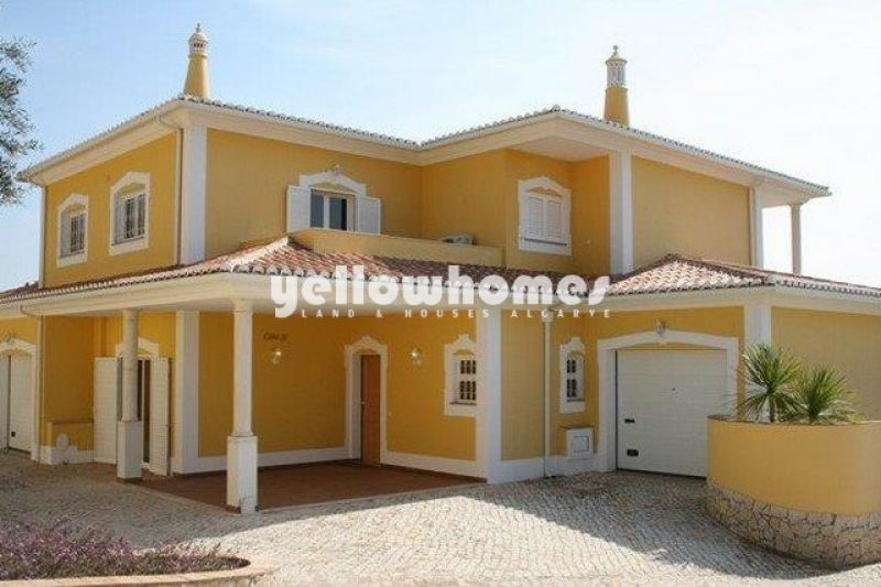 Elegant 5 bed Villa within walking distance to Praia da Luz and the sea